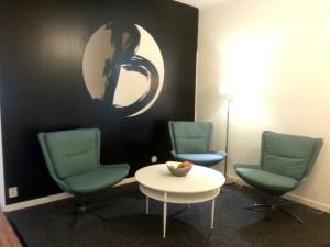 Brath lounge med logo