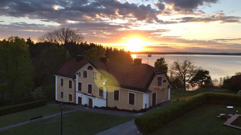 Solnedgång på Görvälns slott